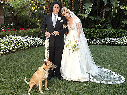 KISS Rocker Weds Longtime Girlfriend