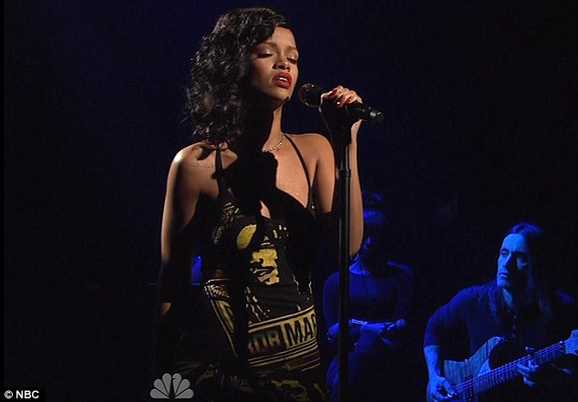 Watch: Rihanna's Ridiculous SNL Performance